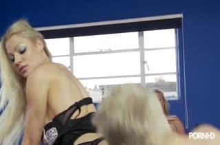 Скачать порно с горячими девочками в чулках №3413