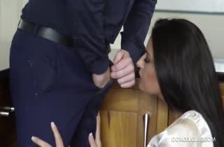 Сочная фитоняшка обожает смачный беспорядочный секс №4243 1