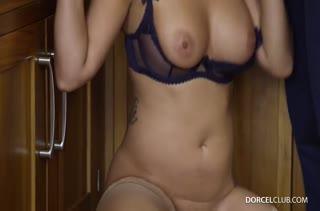 Сочная фитоняшка обожает смачный беспорядочный секс №4243 5