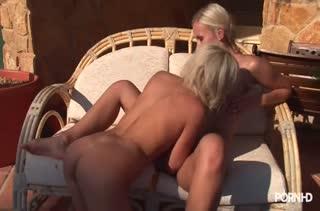 Экстремальный страстный секс прямо на массаже №2046 5