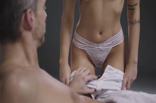 Экстремальный страстный секс прямо на массаже №2786 1