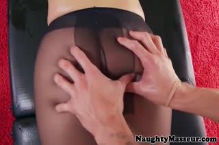 Развратное порно прямо в массажном кабинете №3703