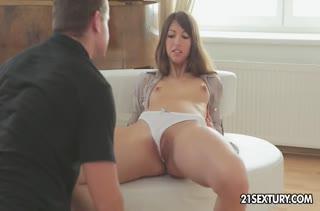 Романтическое порно видео №2128 с красивыми чиксами